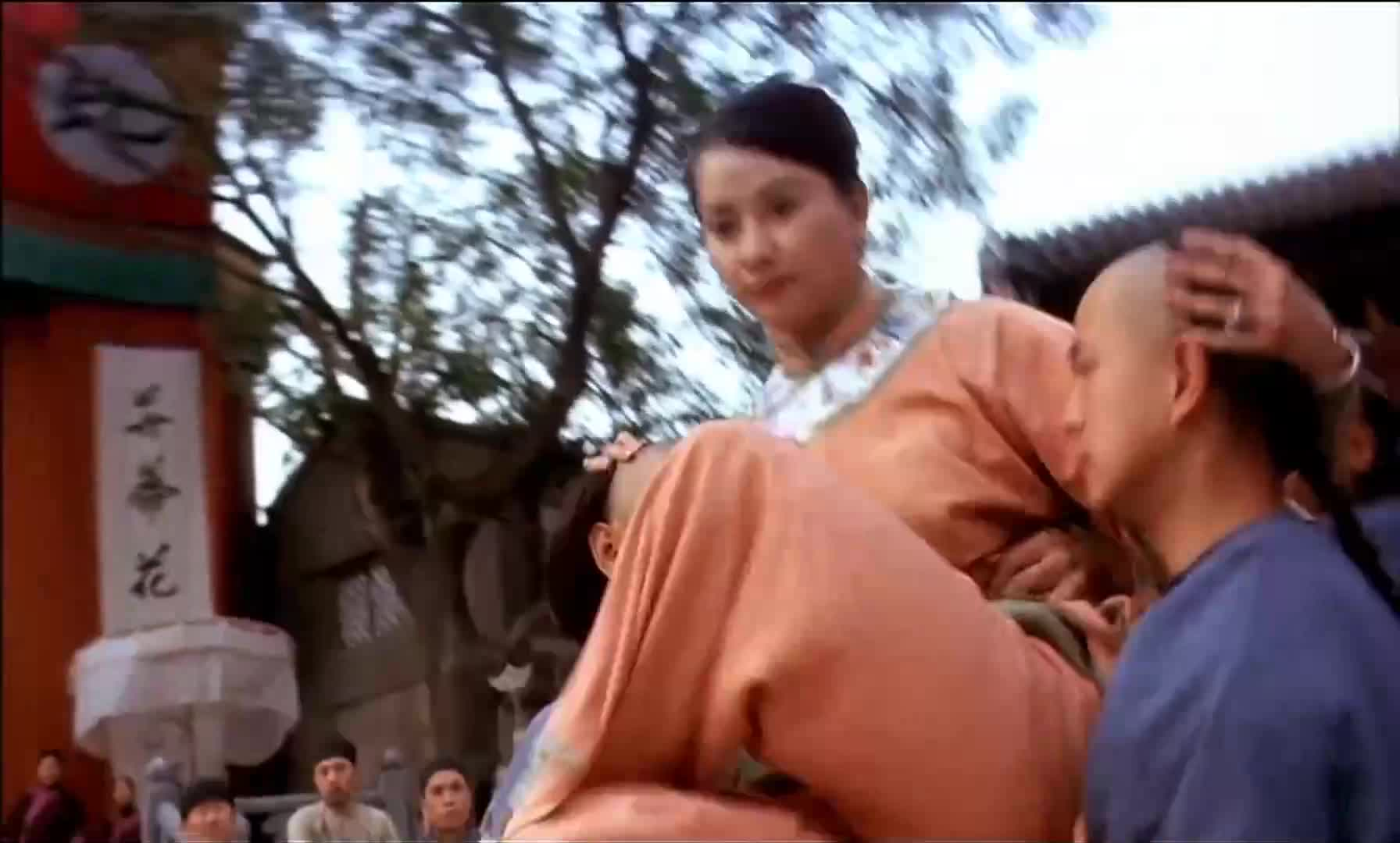 #经典看电影#方世玉参加比武招亲,小姐一掀头巾,直接吓趴了