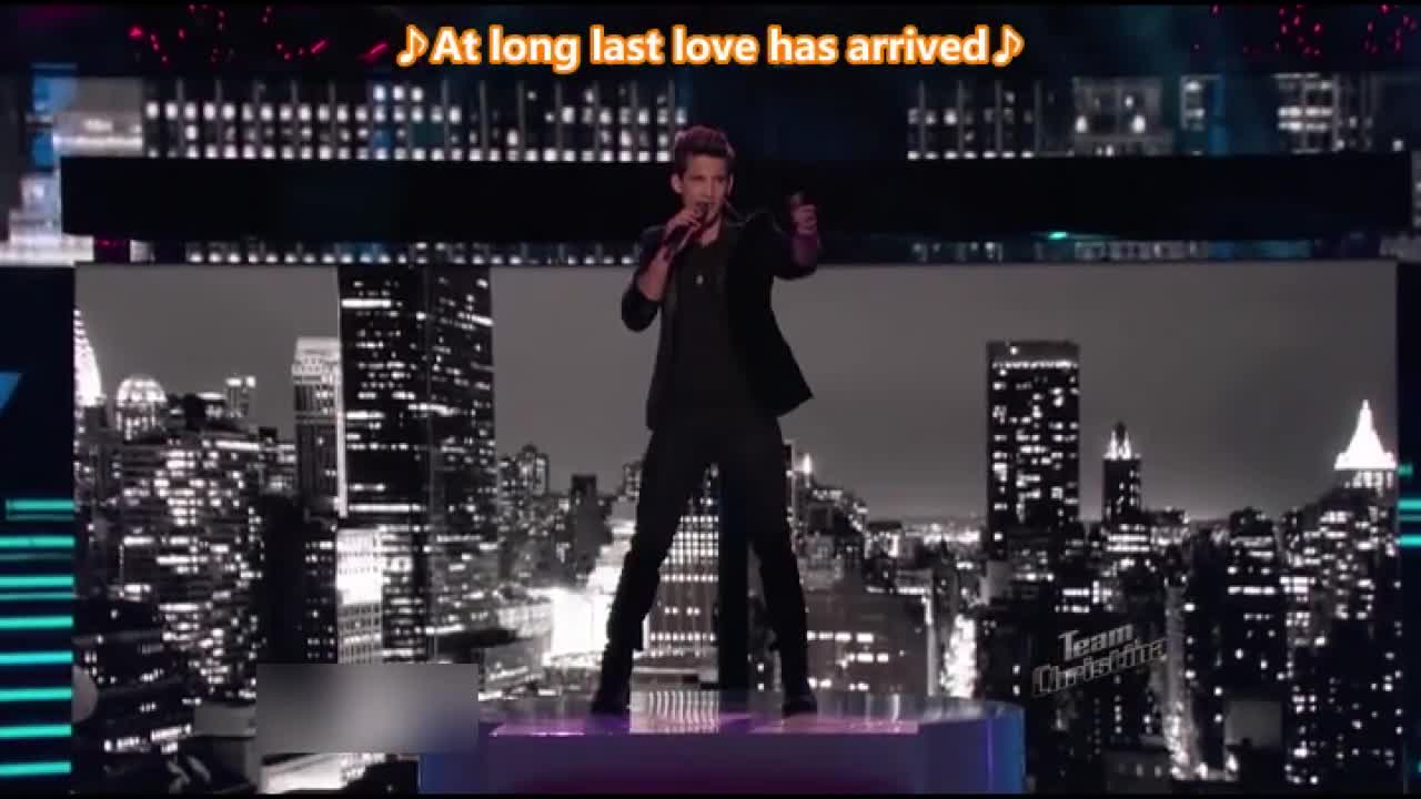 这位男歌手的声音特质确实很适合灵魂乐,选这首歌他赚到了