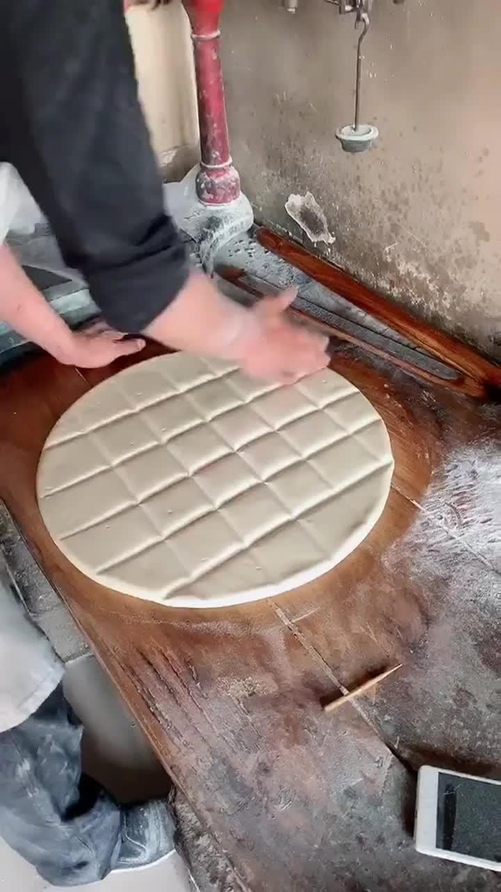 非物质文化遗产,锅饼超级好吃估计这锅饼的硬度南方人吃不了