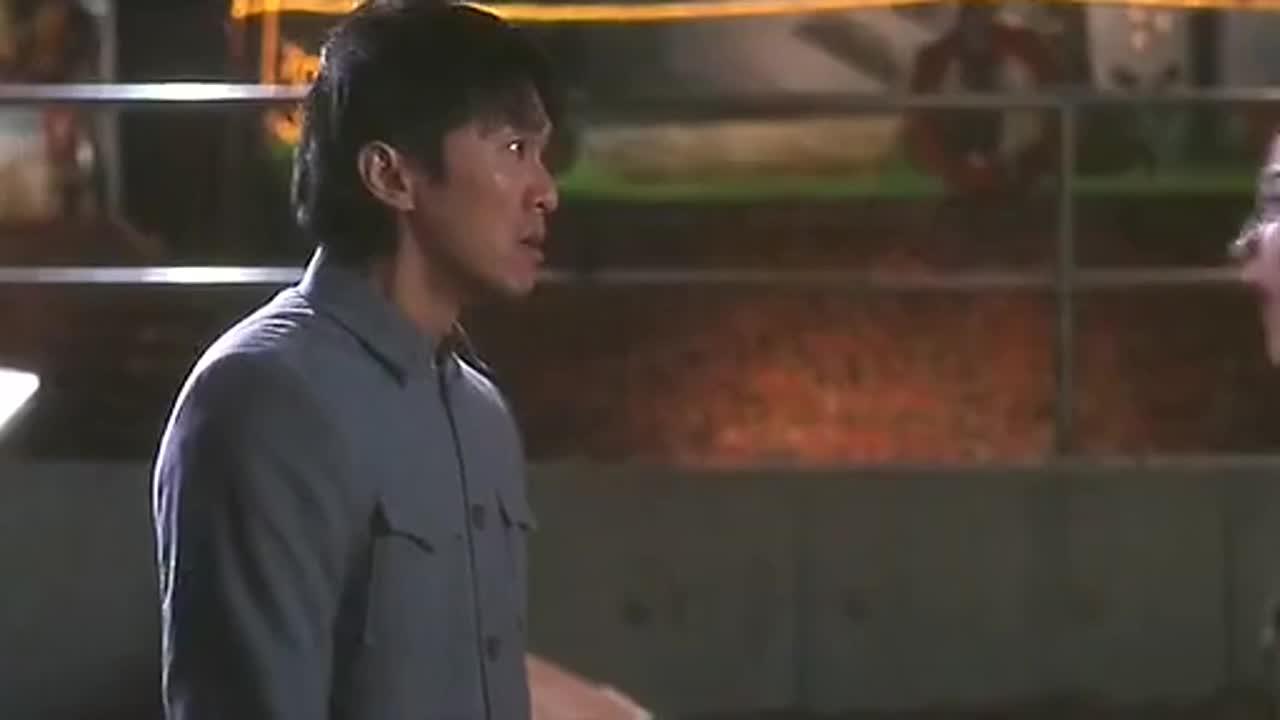 #羞羞看电影#张柏芝用嘴帮周星驰擦唇膏,结果停不下来