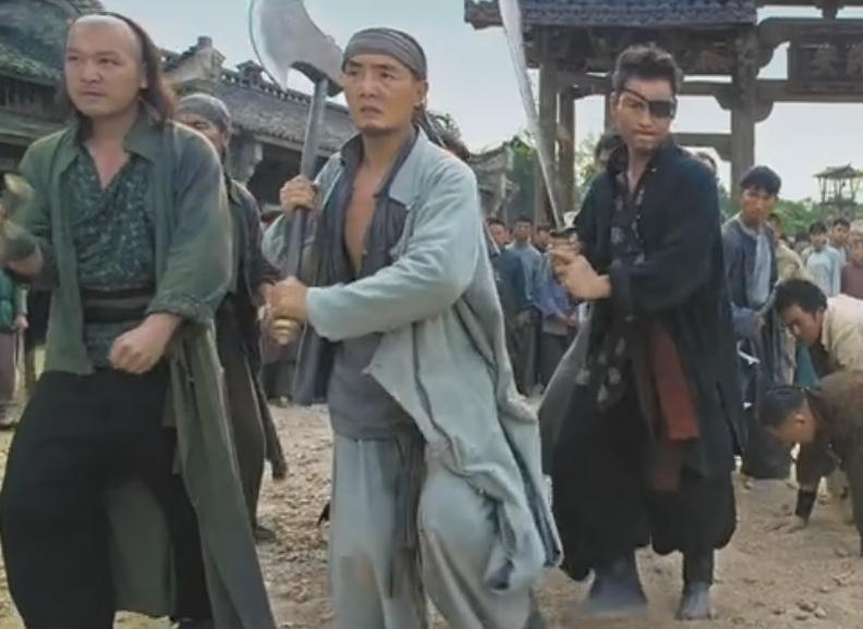 刘青云化身武林高手轻松撂倒一群小混混