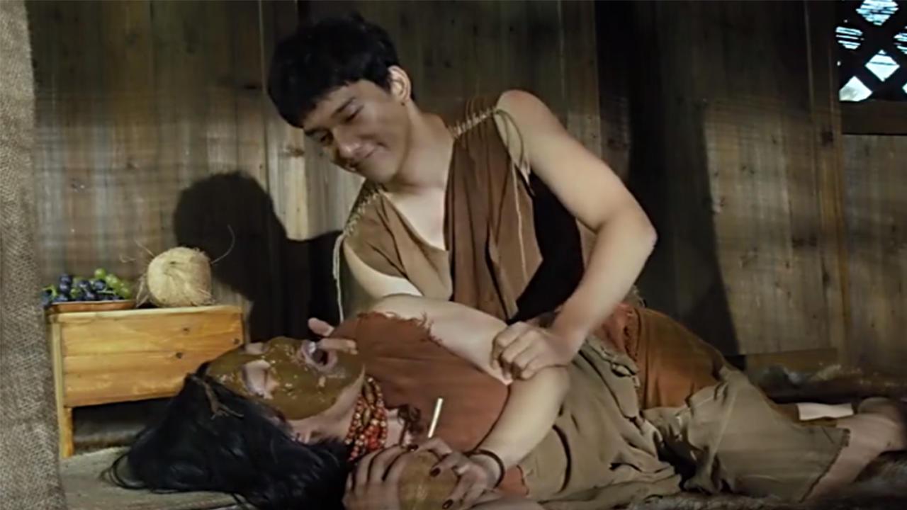 #经典看电影#男子胆子太大,敢在部落里边开美容院,结果就碰上了麻烦