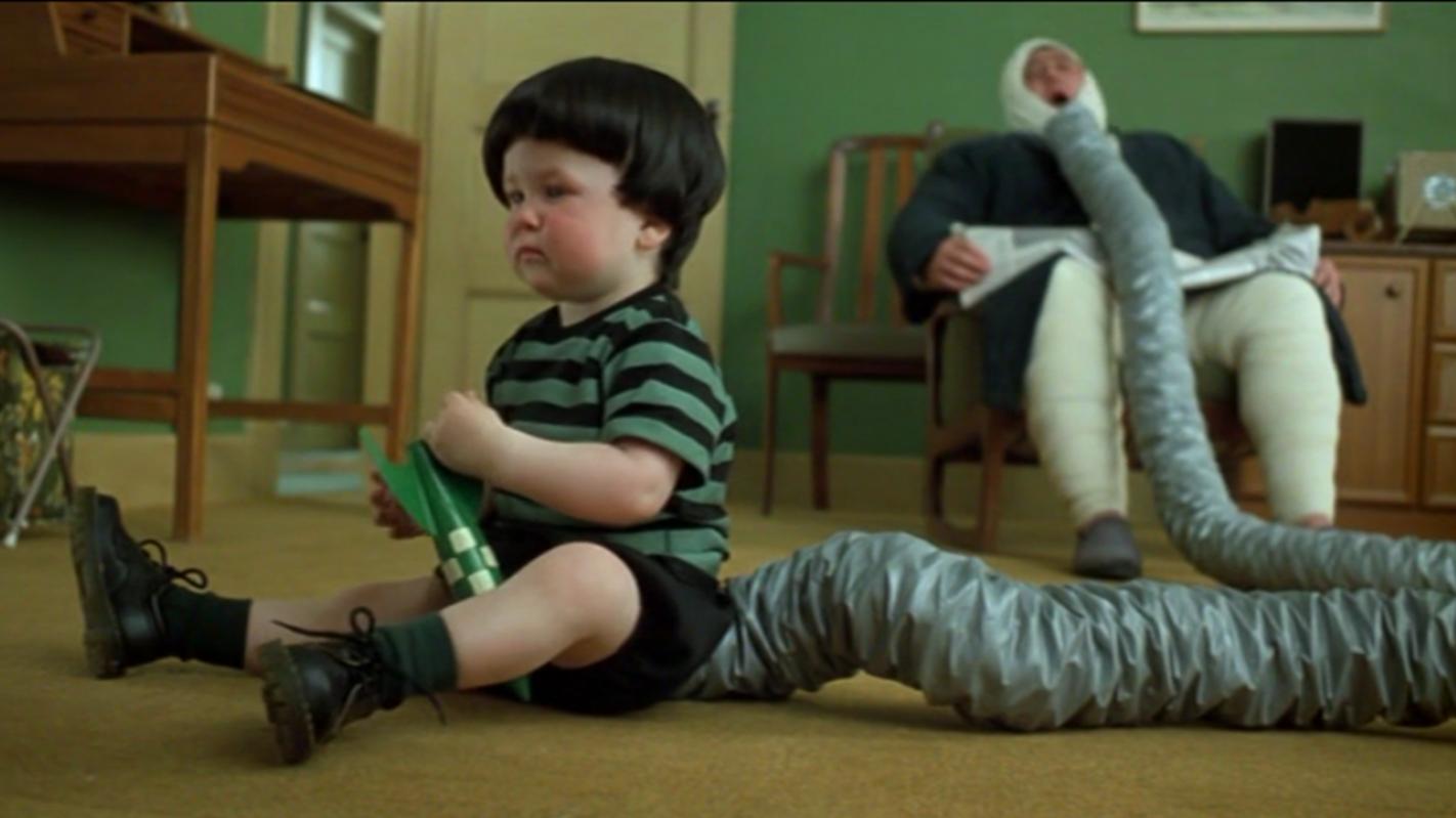 #经典看电影#男孩天生爱放屁,爸爸都被迫离家出走,最后他终于有了用武之地