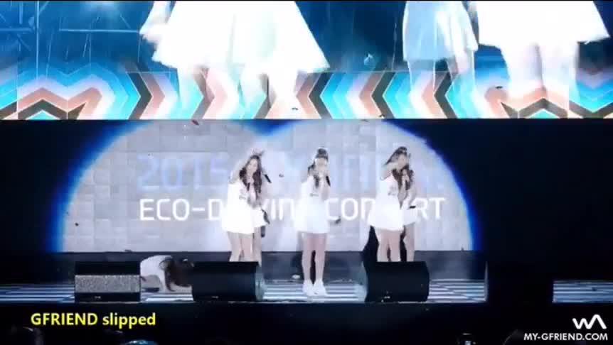 #韩国爆笑联盟#舞台表演事故!三摔!地板也太滑了吧!