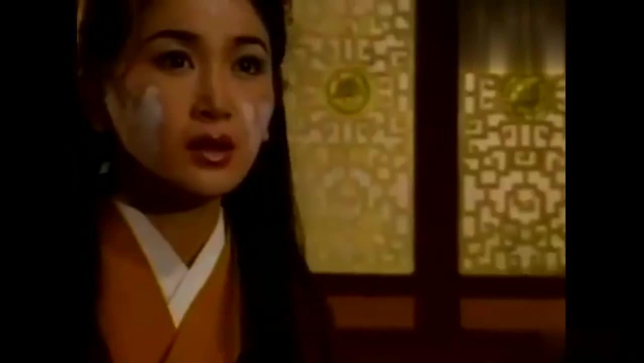#经典看电影#苏妲己逃走不成被打入冷宫,九尾狐教她如何反击争宠!!
