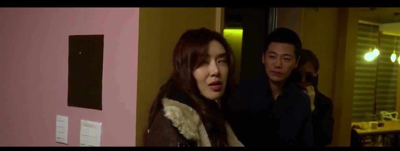 #韩国电影#男子领女友询问老板娘