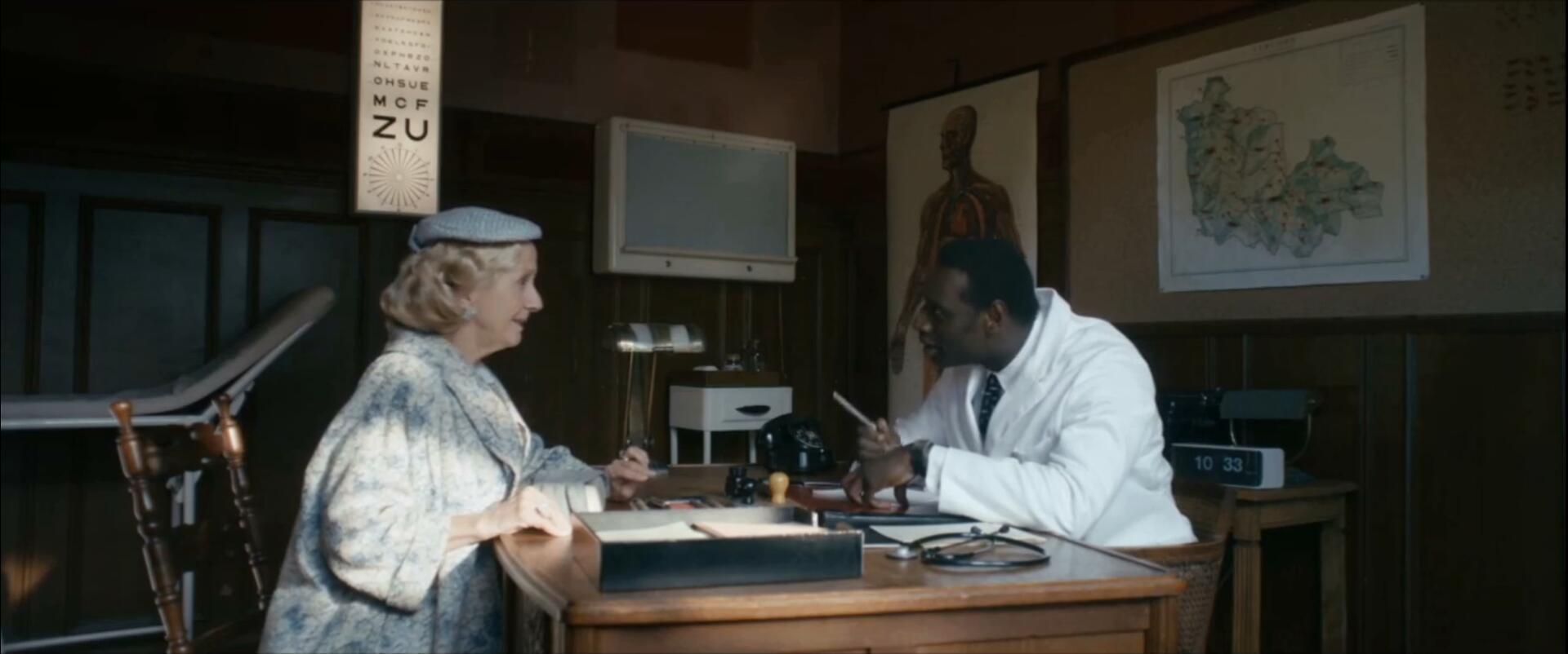 #经典看电影#这是我见过最会搞钱的医生,整蛊让你捧腹大笑