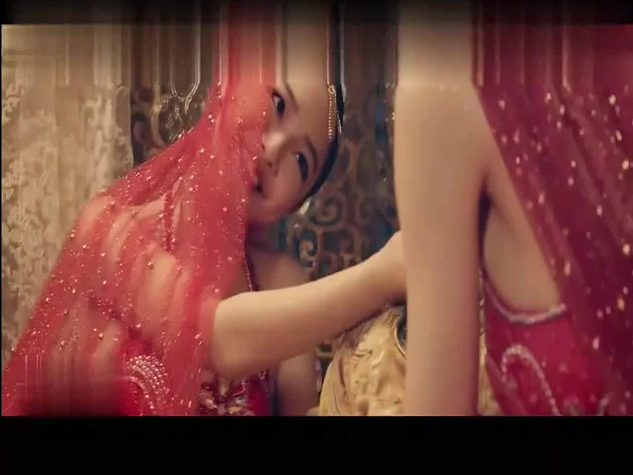 #高能 电影片段 #皇帝以为是以为美女陪着侍寝,没想到是个妖怪
