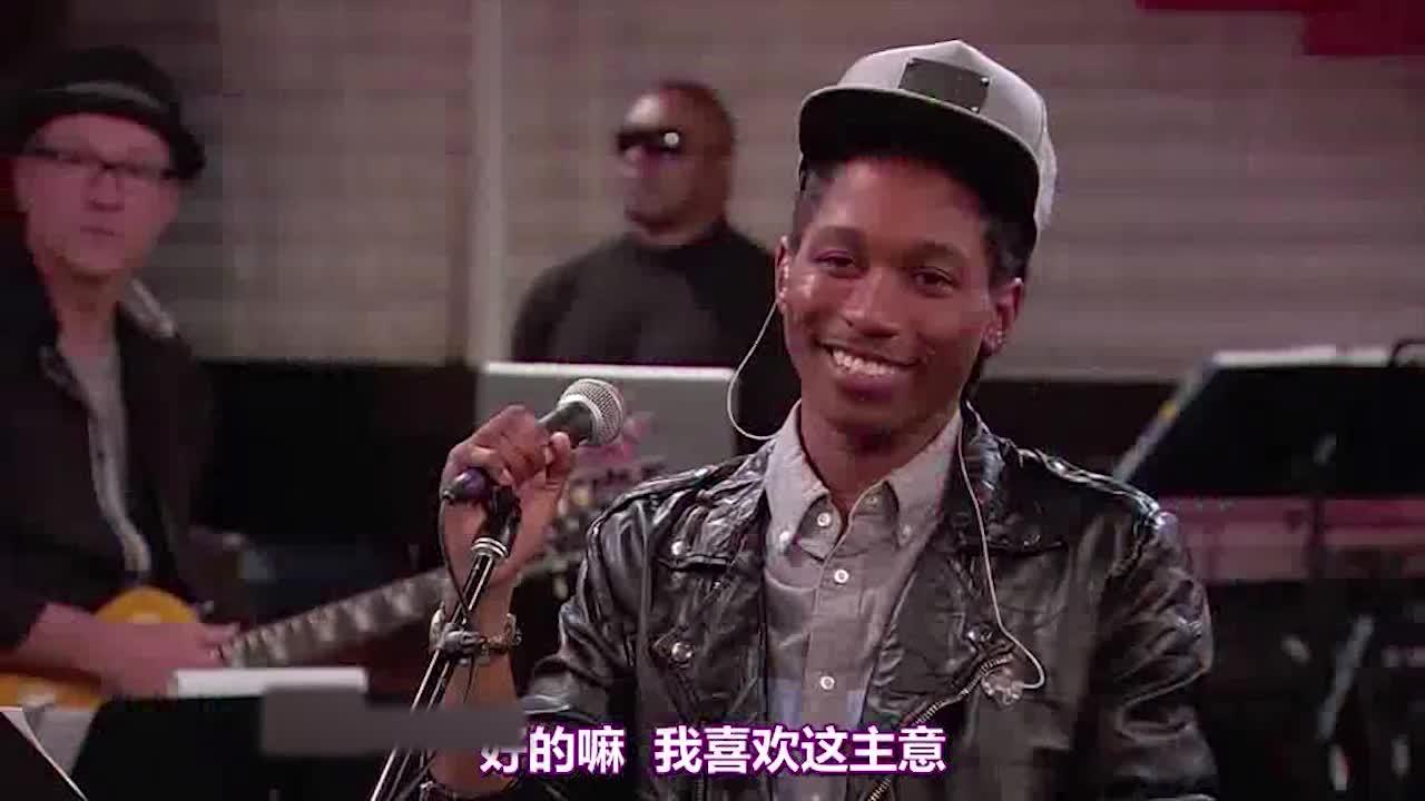 到时觉得这是个歌唱比赛,而他的唱法很特别,可以征服观众