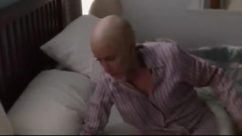 女子得了癌症,却做出这种事,只为保护孩子