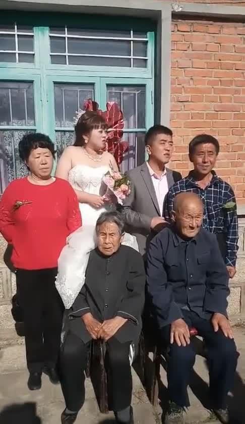#搞笑#这是我见过最寒酸的婚礼,新娘:就要那种效果