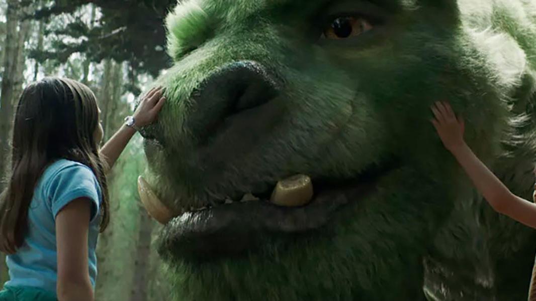 #经典看电影#野狼想要吃掉小男孩,看到身后的这个怪物,慌忙逃窜