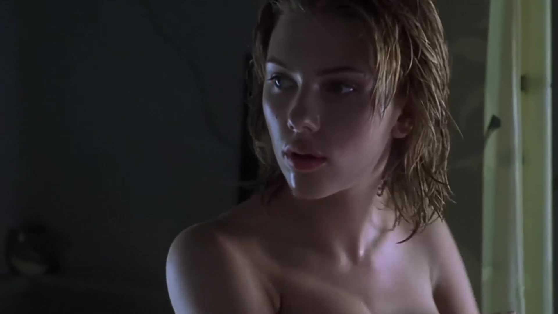 寡姐浴室洗澡,被男子闯进来看光,这身材金刚狼看了忍不住!