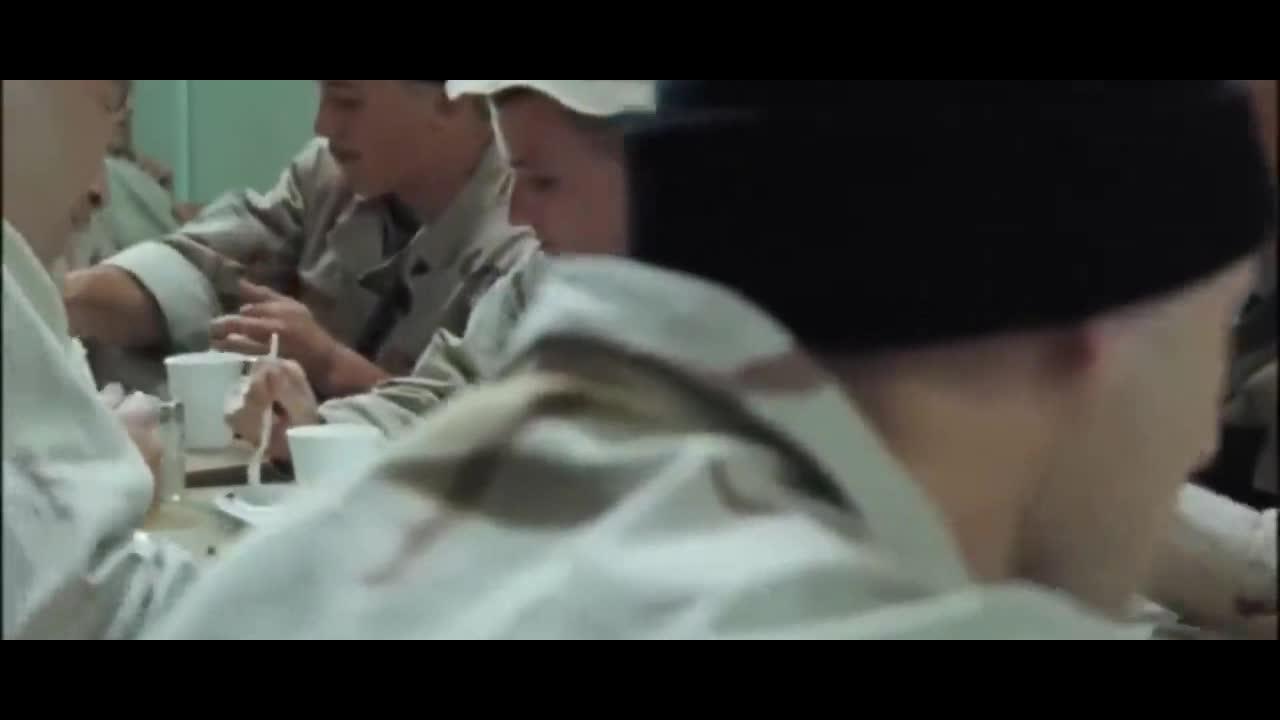 #惊悚看电影#一部好莱坞战争大片,连武器都牛爆天,国产剧不能比