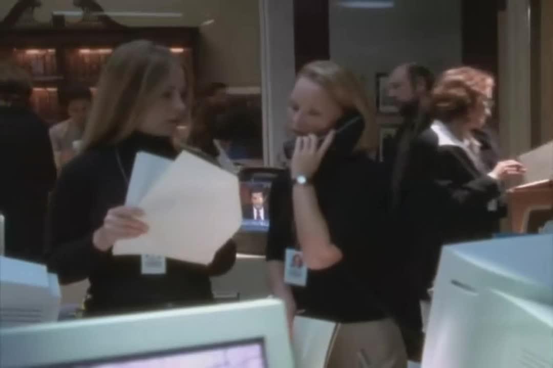 山姆为了一份文件头疼却不得不放低姿态请安丝丽帮忙