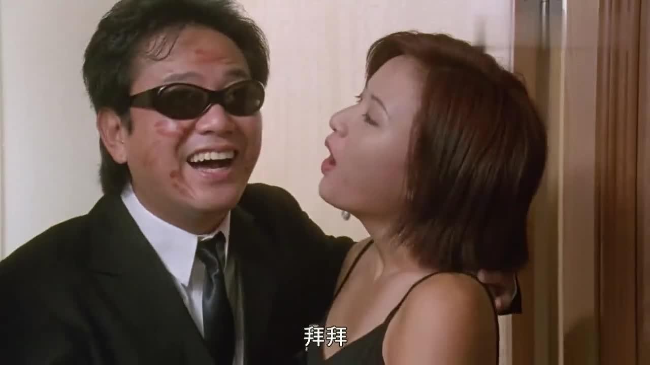 不愧是整蛊专家,借别人的女朋友享艳福,真是好兄弟