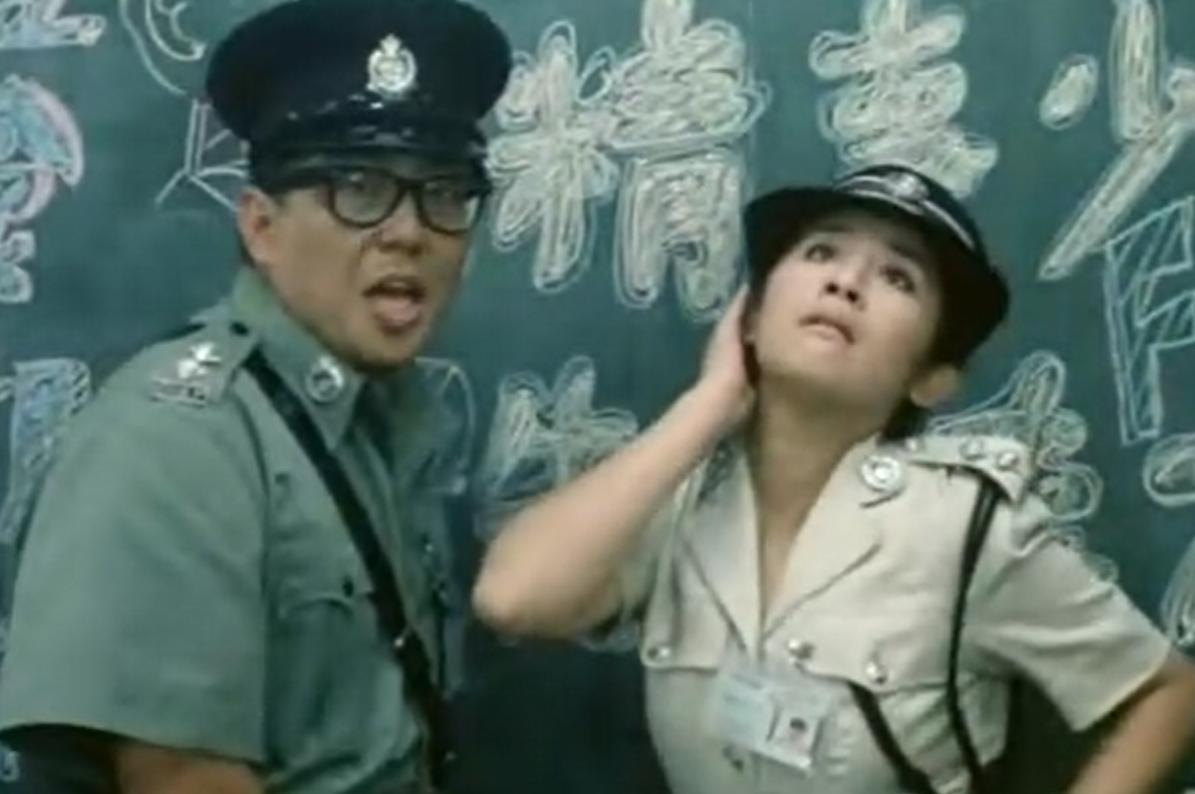#经典看电影#一部汇集香港60多名巨星的电影,堪称无厘头的鼻祖,至今经典