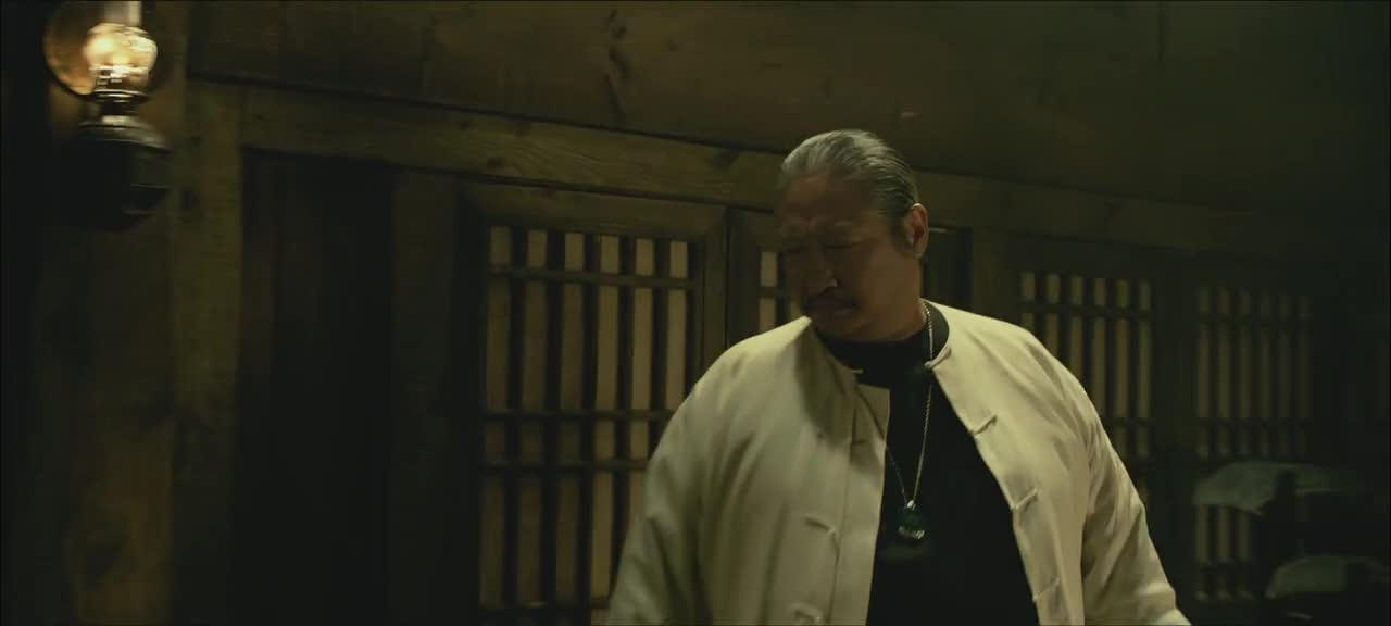 彭于晏洪金宝遭帮派复仇,还有张晋这个对手,怎么打得过?