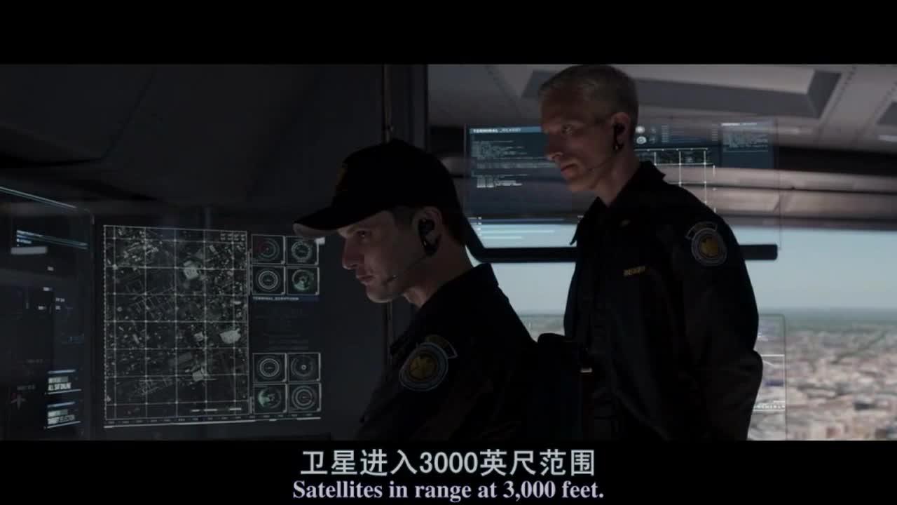 猎鹰美队枪林弹雨中安装控制芯片,黑寡妇将神盾局资料公之于众