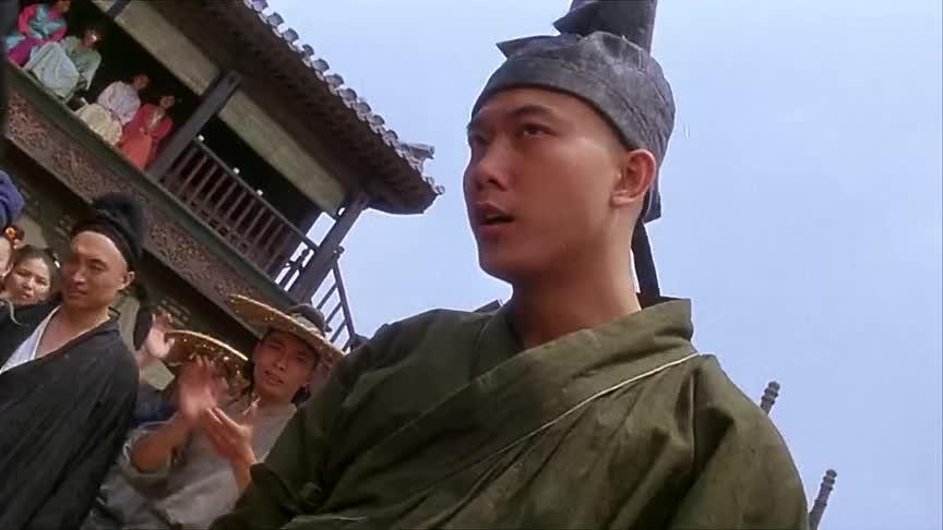 天宝表演人肉沙包,功夫皇帝帮忙收钱,客人却没劲了
