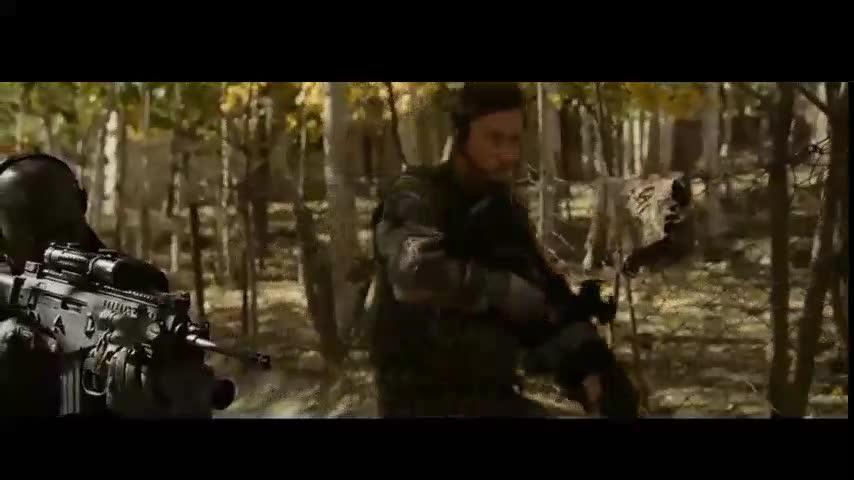#经典看电影#塔利班武装恐怖分子疯狂屠杀特种部队,看着过瘾!