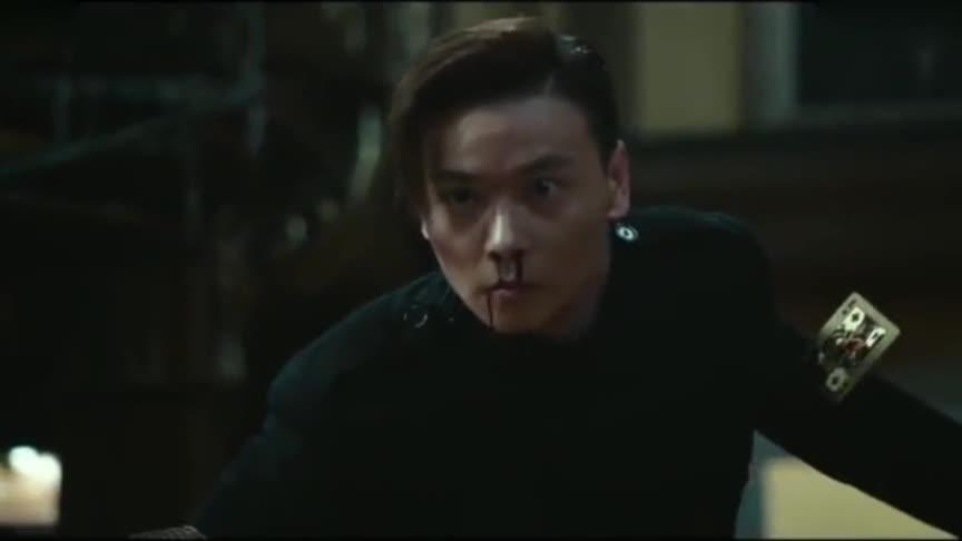 澳门风云:壮汉闯入坚哥家,坚哥一回来就用机关将他制服!