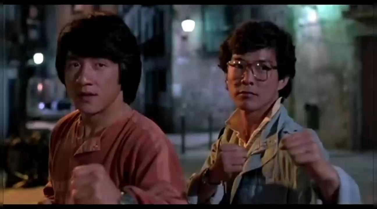 #经典看电影#成龙、元彪和洪金宝三个大神的动作片段,一看就停不下来