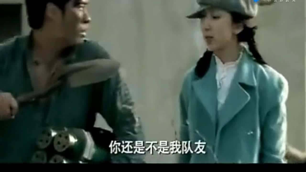 #经典看电影#曾小贤不会拆cs炸弹,关谷:你按下E就好了