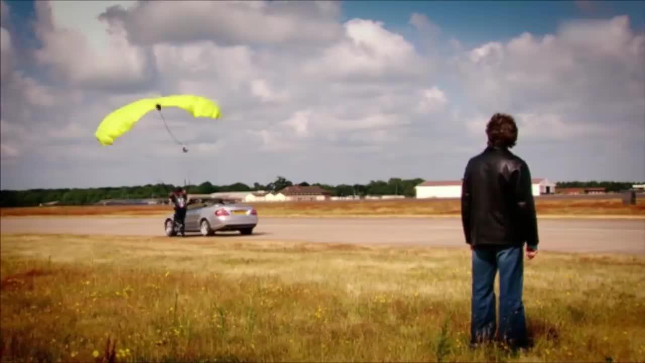 跳伞运动员作弊,这么明显,大叔头都不回就发现了