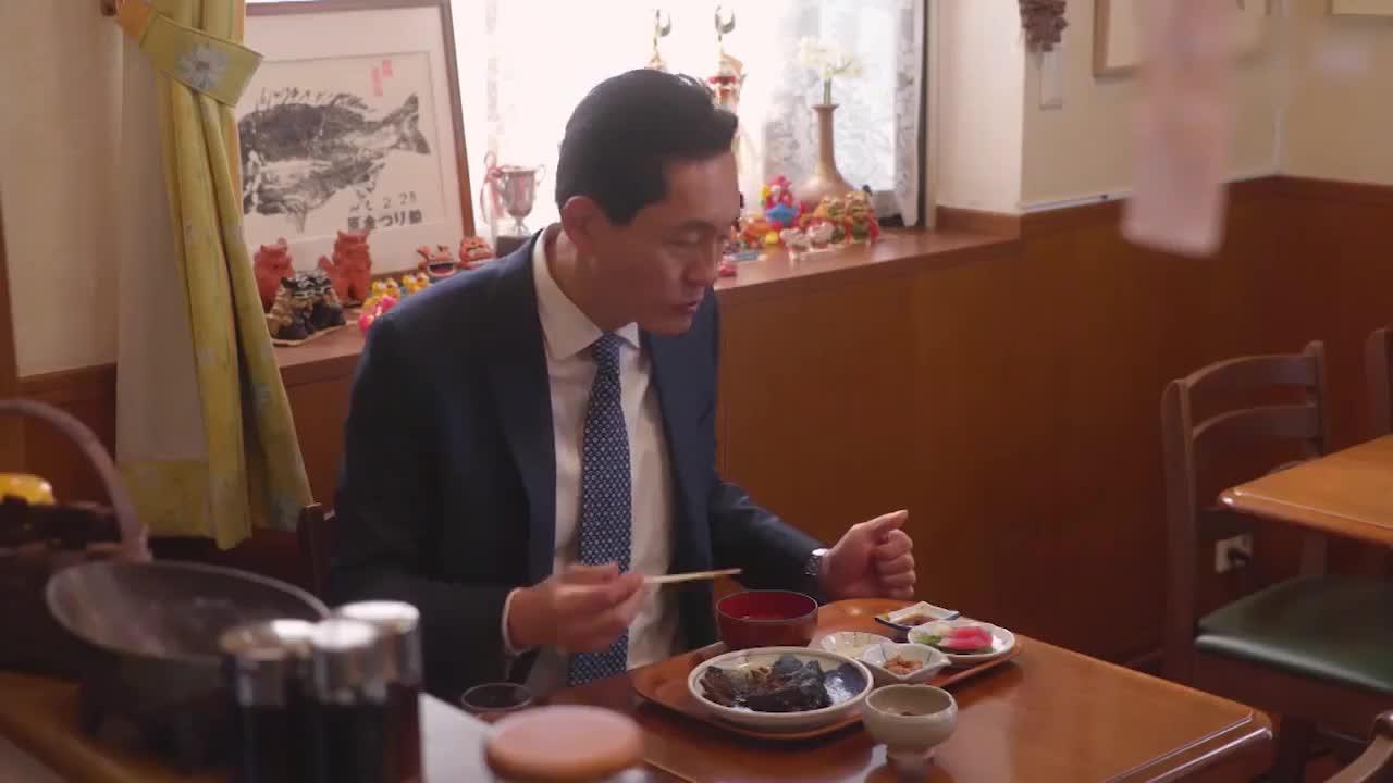 井之头五郎美食家,尝试鲟鱼配饭