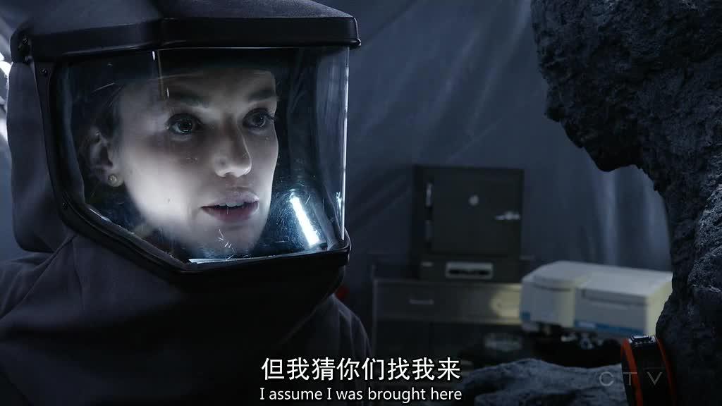 迈克找到了跟伊莱合作过的华人帮,出手杀戮,黛西罗比赶到了