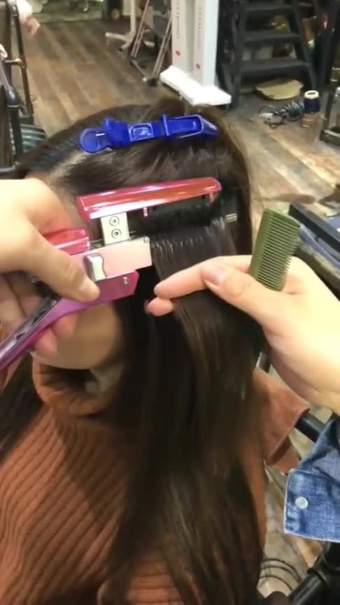 #美女自拍#原来女生的假发是这样嫁接上的,看的我头皮发麻