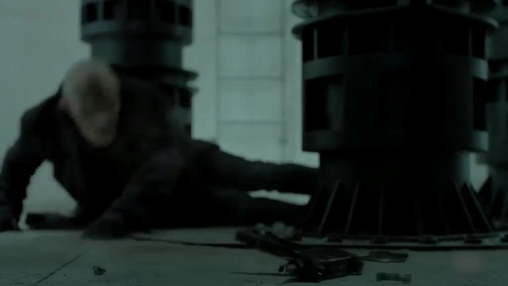 狙击的小伙被高手杀了,这个家伙睚眦必报,是个狼人