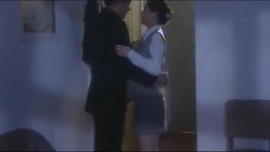 #经典看电影#小情侣看完电影 一回到出租屋小伙终于爆发了