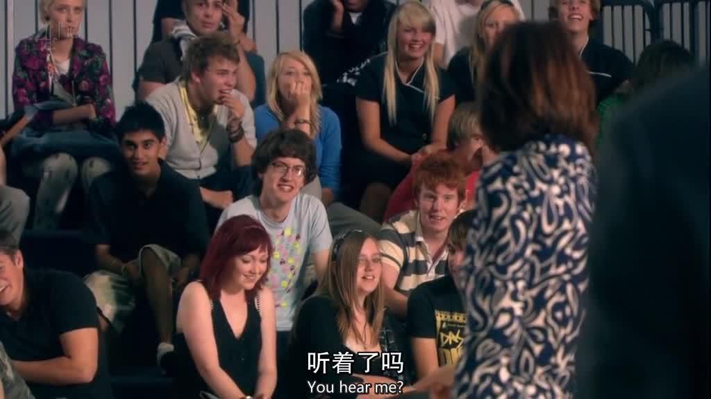 女仔下面讲课,大家都没有在听,女子很生气