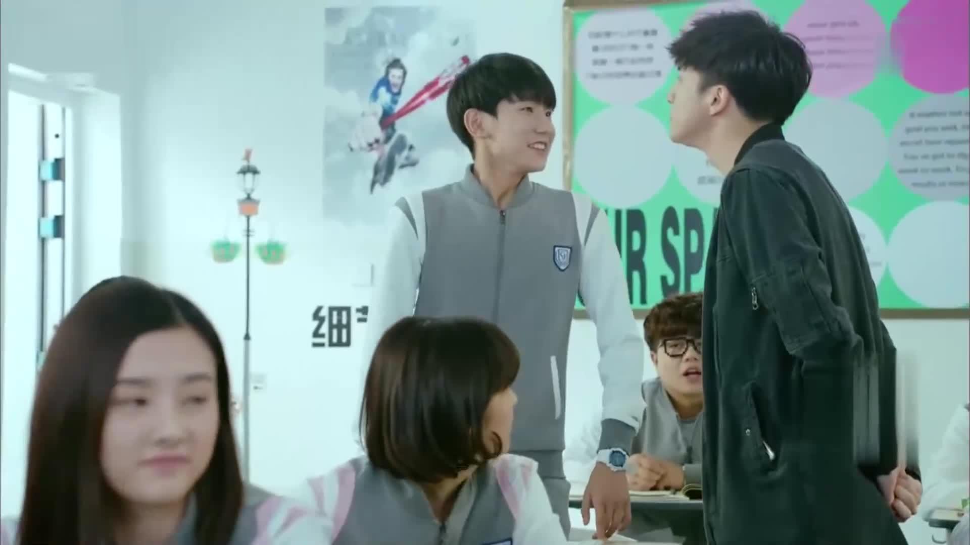 少年时代:王源的一个举动差点没把薛之谦下巴打掉,太狠了!
