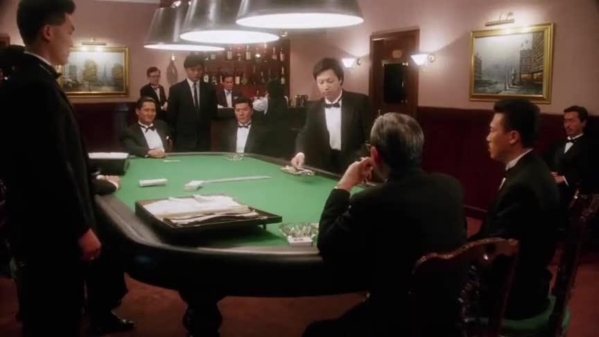 #周润发#老家伙作弊看穿赌神底牌,加码美金两万,高进不知底细也加五万