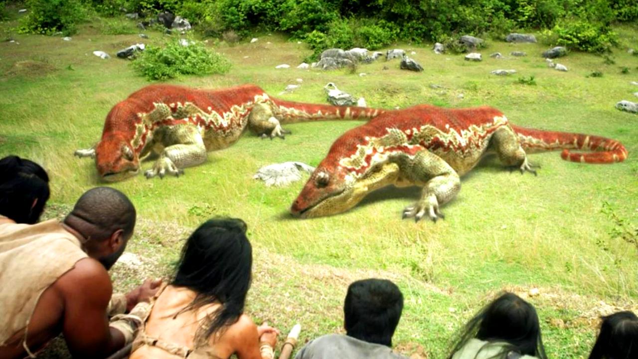#经典看电影#大叔在原始森林中赶路,却意外遇到了两头远古巨蜥!