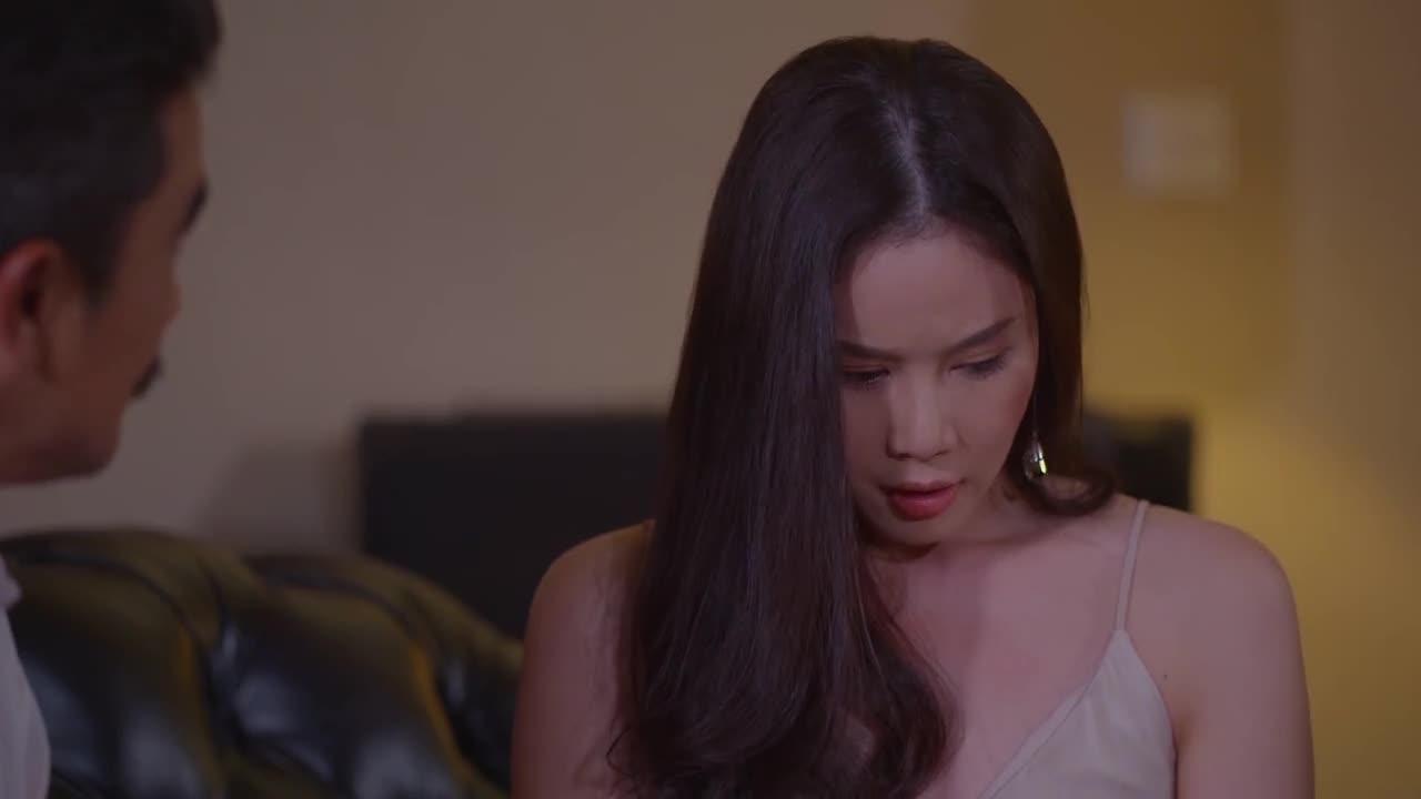 皮娇也明白这个道理,出主意让林音从莉贝的父亲身上寻找出路?