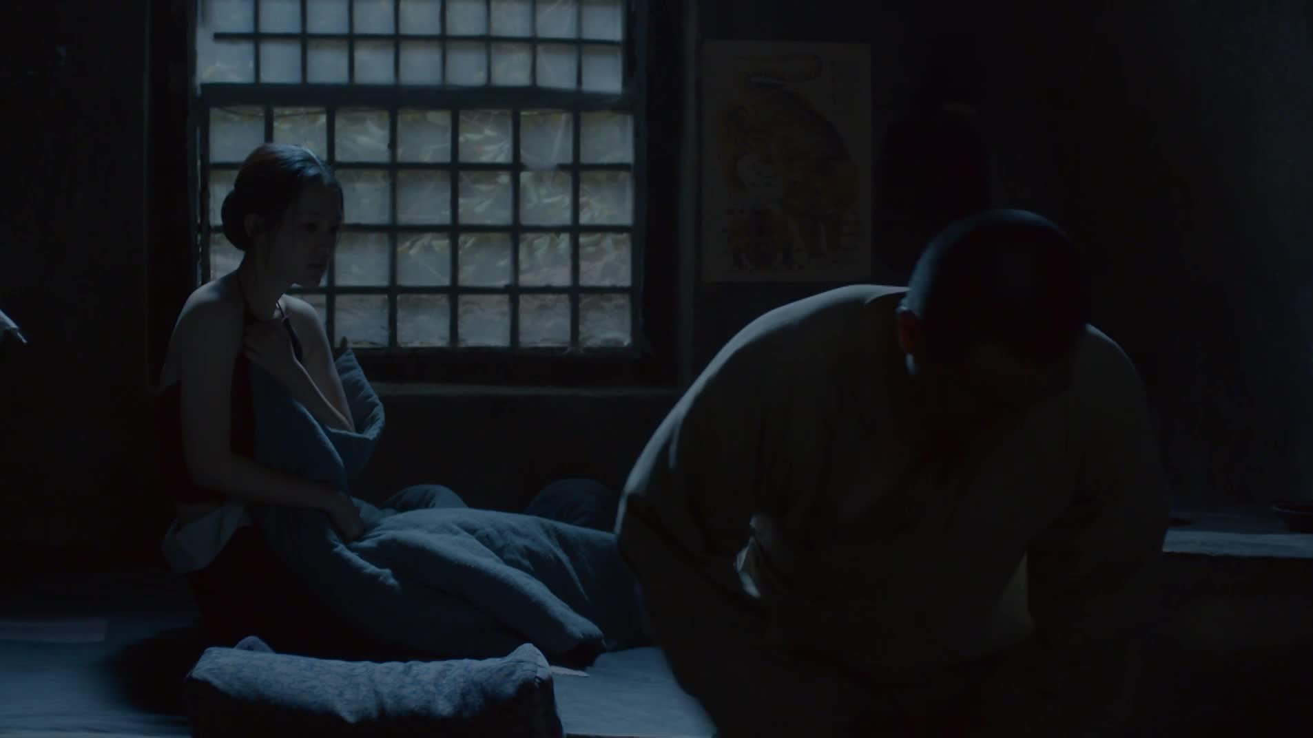 怜的田小娥,被鹿子霖哄骗睡觉,睡完就走
