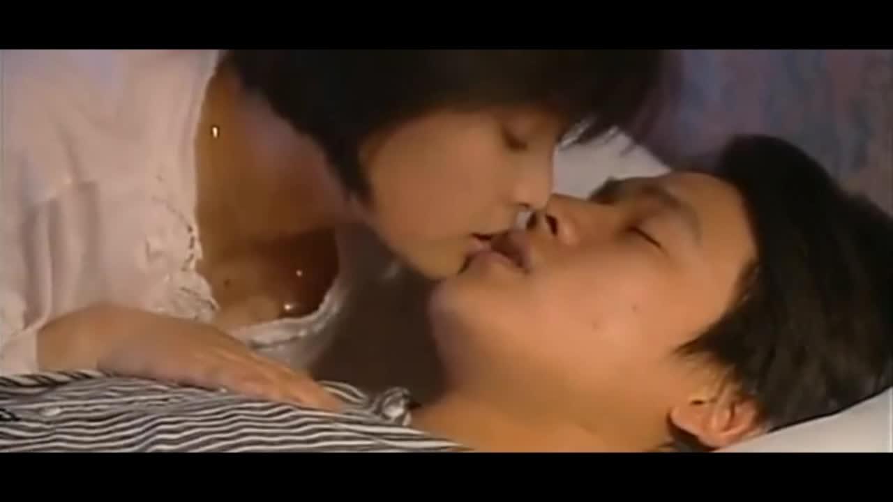 #羞羞看电影#最销魂的言情戏 清纯男被彪悍女舌吻并XX欲哭无泪