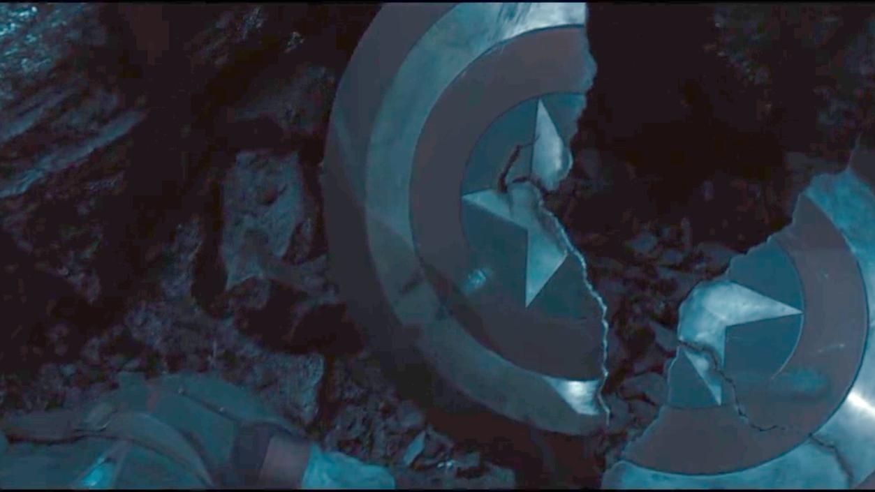 #超级英雄#几分钟看完爆笑版《复仇者联盟2》美国队长盾牌碎了