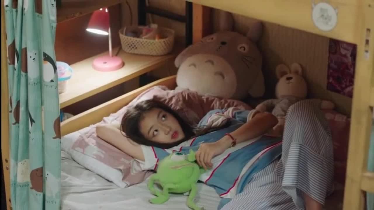 #经典看电影#妹妹要和哥哥一起睡,哥哥:你多大了?还和我睡!