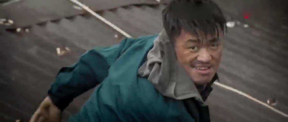 #影视片花#封于修楼顶上演超高距离飞跃夏侯武却怂的不敢跳,还被鄙视了