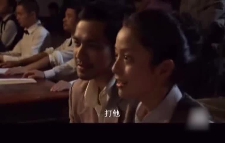钟郎和法医在拳击馆看比赛,有一男子一直看钟郎,看起来不是好人