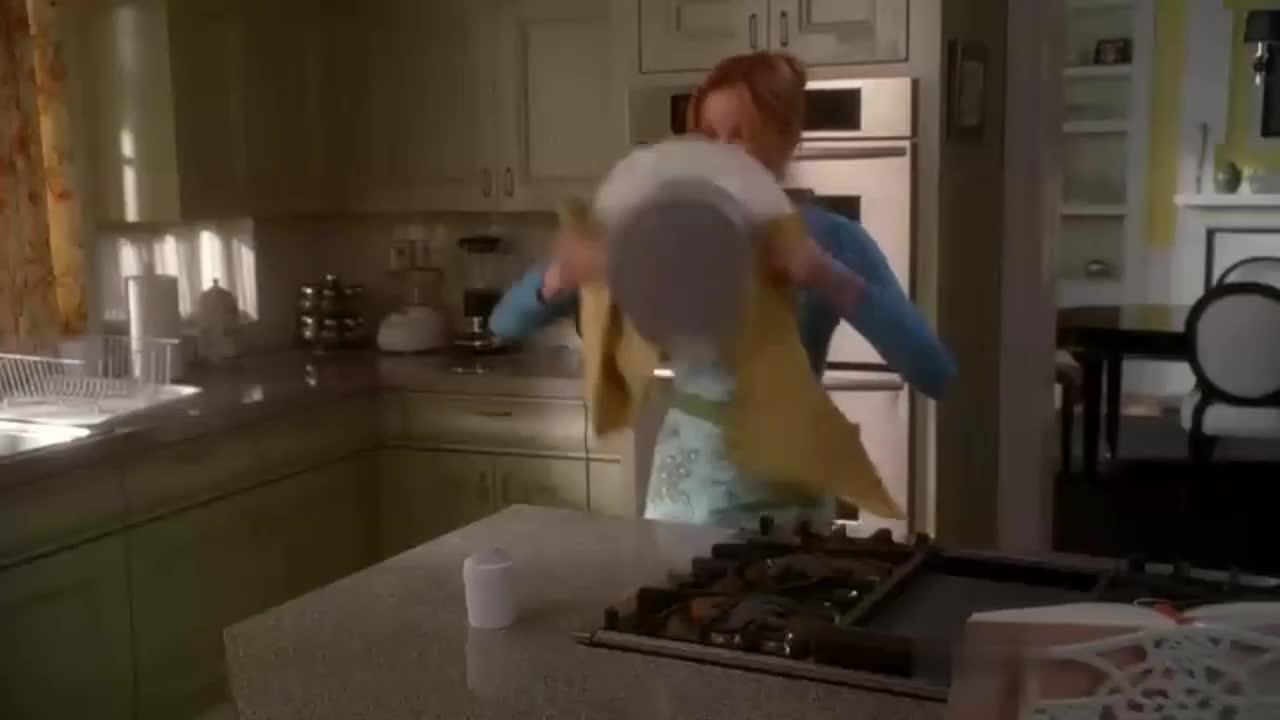 美女不会做蛋糕,竟然和邻居窜通,来个偷龙转凤