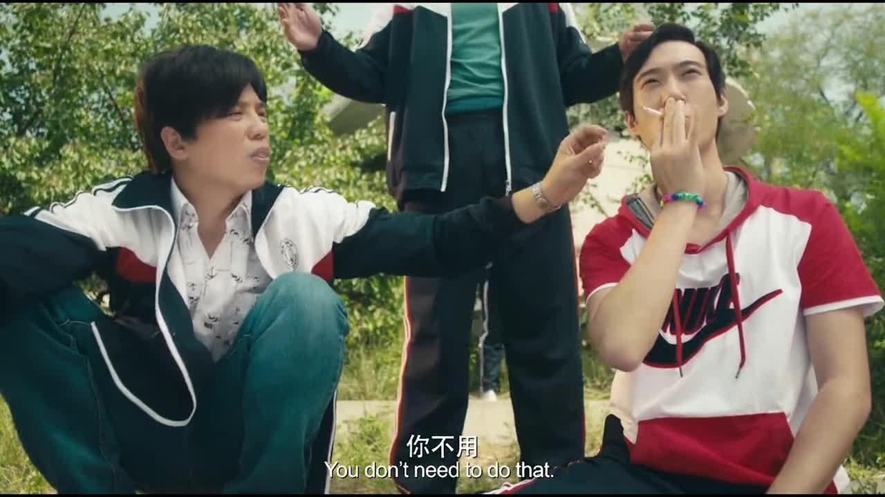 #电影#男子刚拿到烟,还没抽就被老师罚站到教导处:冤枉啊