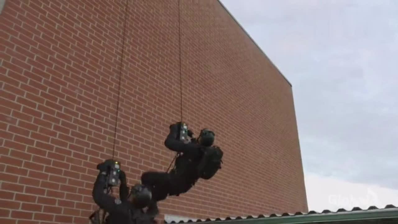 最新反恐动作片,美国监狱大暴动!反恐特警队紧急出动