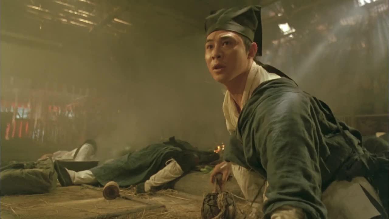 #电影#令狐冲等人躲过追杀,小伙腿掉汤锅忍耐半天
