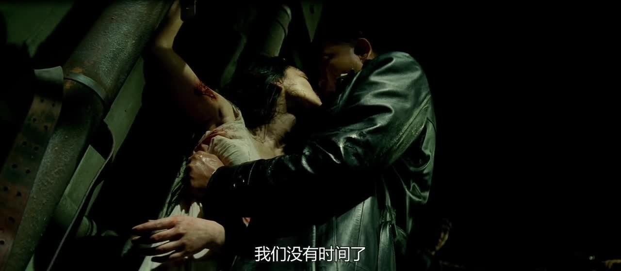周迅遭受酷刑,这绳刑专用于女人,看着就觉得好疼!